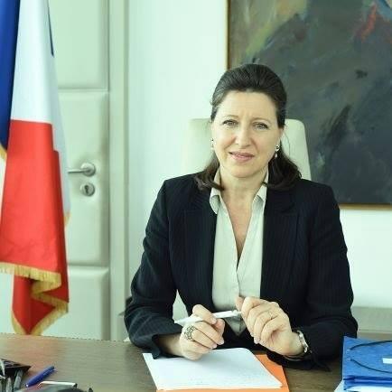Agnès Buzyn dans son bureau en 2017