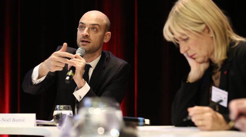 Jean-Noël Barrot au cours d'une réunion en 2018