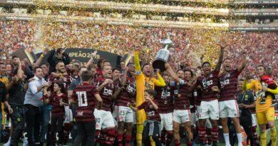 L'équipe de Flamengo, celébrant son titre à l'issue de la finale de la Copa Libertadores, à Lima (Pérou) le samedi 23 novembre 2019