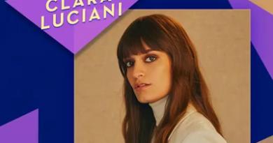 Clara Luciani, artiste féminine de l'année, sur une pochette.
