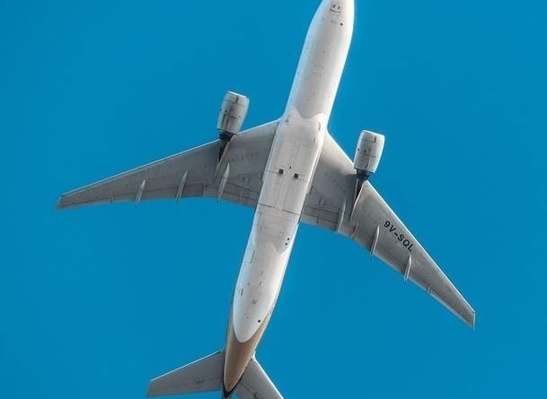 Un avion dans le ciel en Australie.