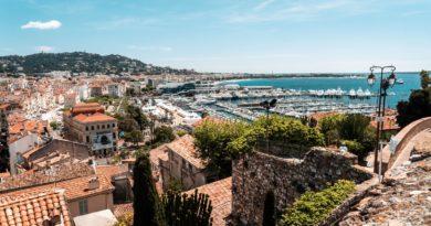 Cannes Bay, Cannes, France (Crédits : Unsplash).